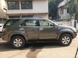 4x4 well maintained 3 liter fortuner