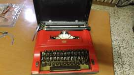 2 color ribbon typewriter in working condition