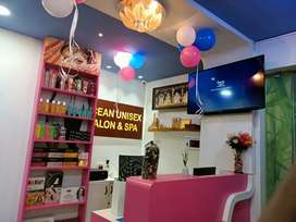 Beauty parlour and spa space for sale