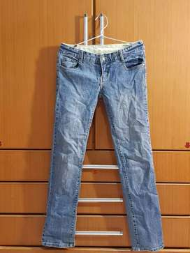 Cln pjg jeans jual murah aj krn mau pindah