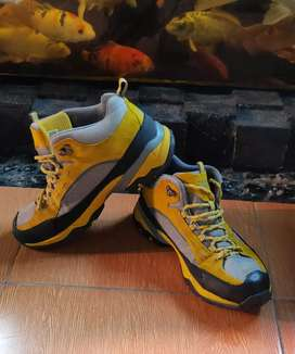 Sepatu Gunung Outdoor BFL Authentic Uk 43