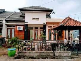 Rumah dijual plus purniture, lokasi strategis