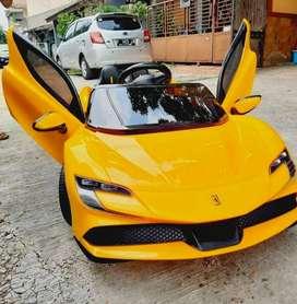 [COD] Mobil Mainan Aki Ferrari Varsa Bisa Dikendarai Anak Kecil