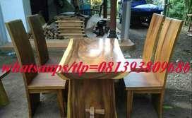 meja makan kayu trembesi kursi empat bagus