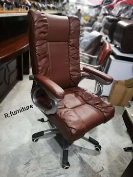 R_016 Imported Executive Chair _ Office table sofa r available also