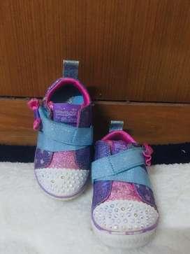 Sepatu Skecher anak