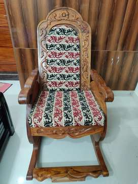 Swinging chair made of complete TEAK