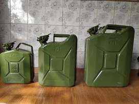 Jeep Jeep Jerry can available