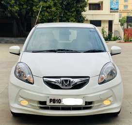 Honda Brio V Manual, 2011, Petrol
