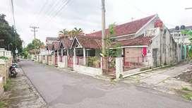 Tanah bonus bangunan 5 rumah jakal KM 7.5 kopen istimewah