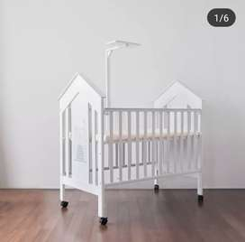 Preloved Baby box putih little equi