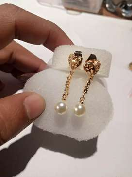 1 karet gold plated earrings for grils and woman's