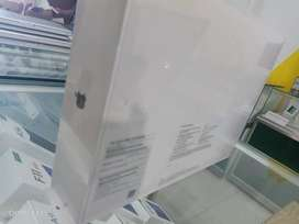 BNIB MACBOOK AIR RETINA 13.3 INCH 128GB 2018 MRE82LL