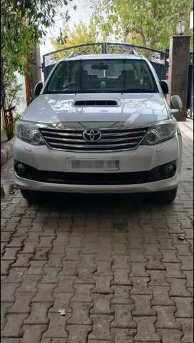 Fortuner car 2013 automatic