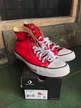 Converse Chuck Taylor High Red size 40 BNIB