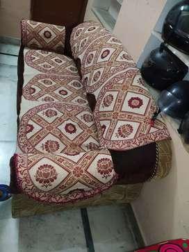 Beautiful 5 seater sofa set
