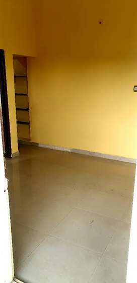 1 bhk located at main road for rent