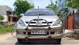 Toyota Innova - 2.5 V - Single owner - Fully company service