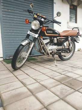 Yamaha Rx 100 fully in new condition awesome pickup and good condition