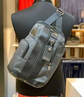 Tumi men Sling bag
