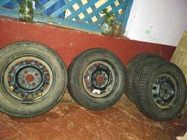 Tyre with rim 175 70 R 13