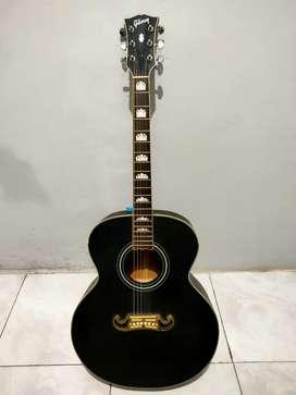 Gitar akustik elektrik custom model Gibson