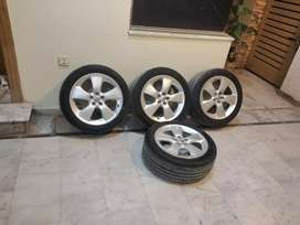 17 inch Rim Tyres of Prius touring with Almost Brand new Sports tyres
