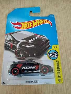 Ford Focus RS hitam