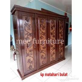 Lemari pakaian kayu 4 pintu ukir