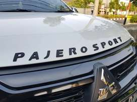 Hood Emblem Pajero Sport 2020 Black Edition