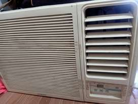 Hitachi AC RAW 312 KWD 3 star one ton  window AC for sale