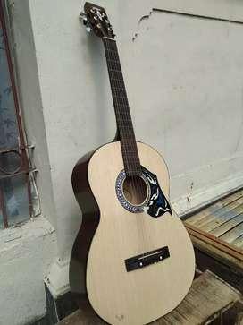 Gitar Yamaha masih baru mulus
