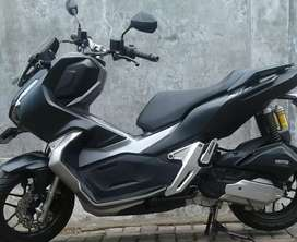 motor honda adv hitam