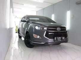 Toyota Innova Venturer AT 2018 Abu Abu