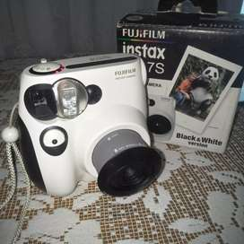 Fujifilm instax mini 7s Black & white version