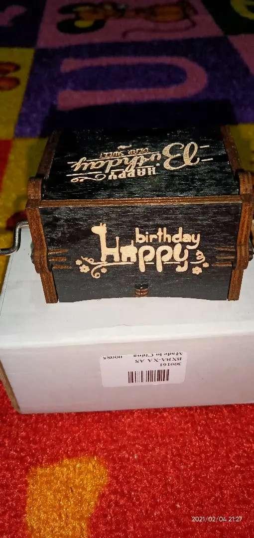 Musicbox cocok sekali buat kado ulang tahun pasangan anda