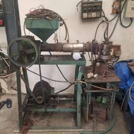 BLOW MOULDING MACHINE 3 LTR