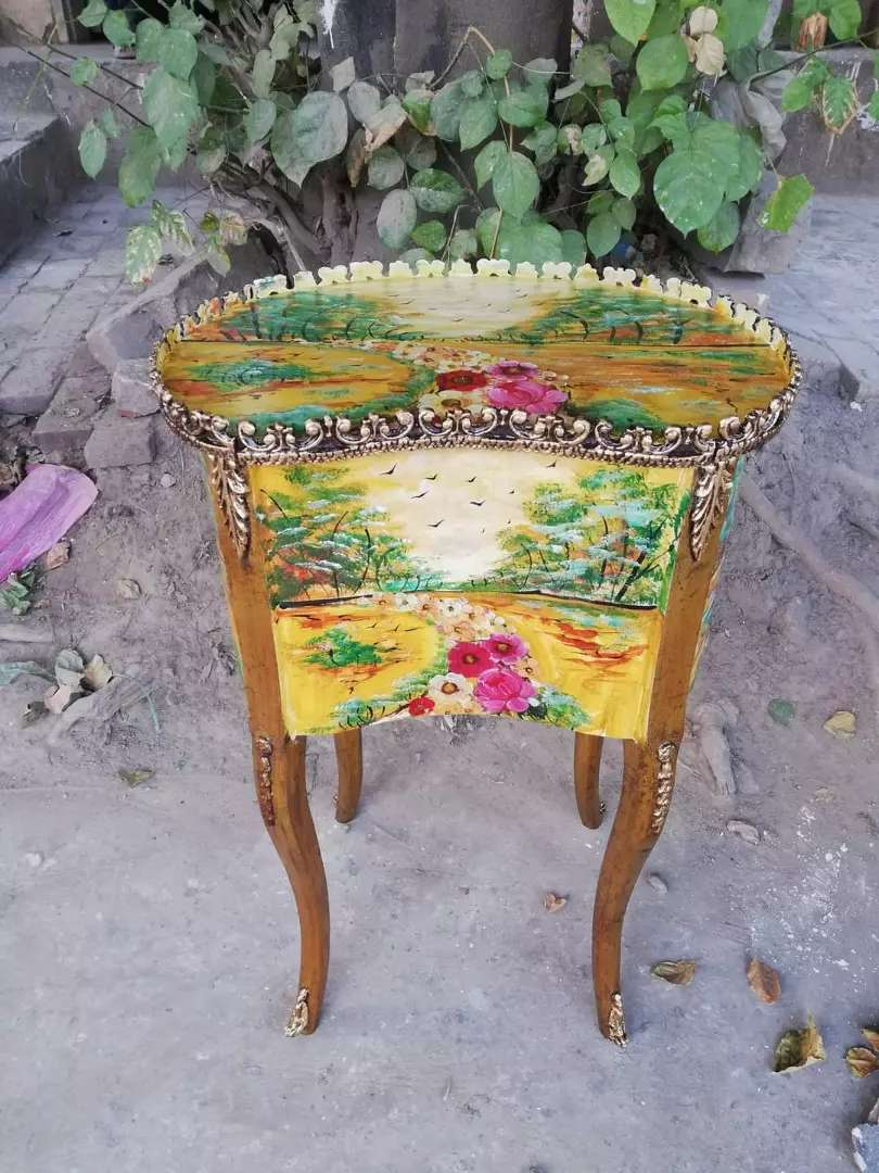 Hand painting antique table