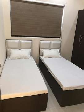 Furnish rooms for boys near feroz gandhi market