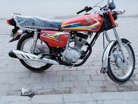 Honda 125 lush condition with number 2k19 model