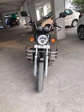 Next to showroom condition Black Thunderbird 350 up for grab.