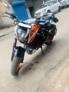 Sell KTM DUKE 200CC brand new showroom condition bike
