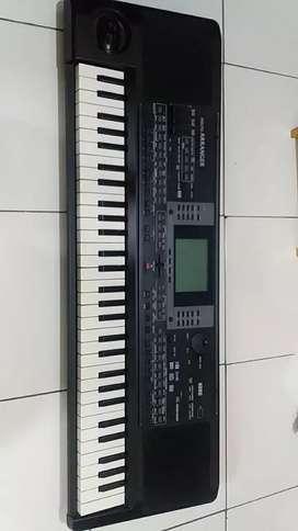 Keyboard organ tunggal KORG