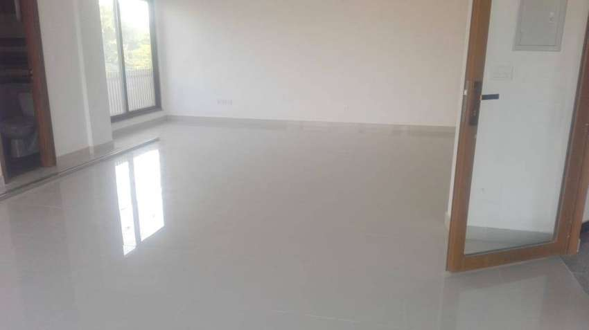 Mezzanine Floo2400 Sqft Commercial Space For Office Available On Rent 0