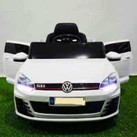 Mobil aki Mainan VW Golf look baru fset license