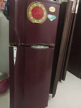 Double door fridge  company name _electrolux kelvinator