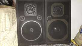 2 Speaker Box with Good Condition.. Now Not In Use..