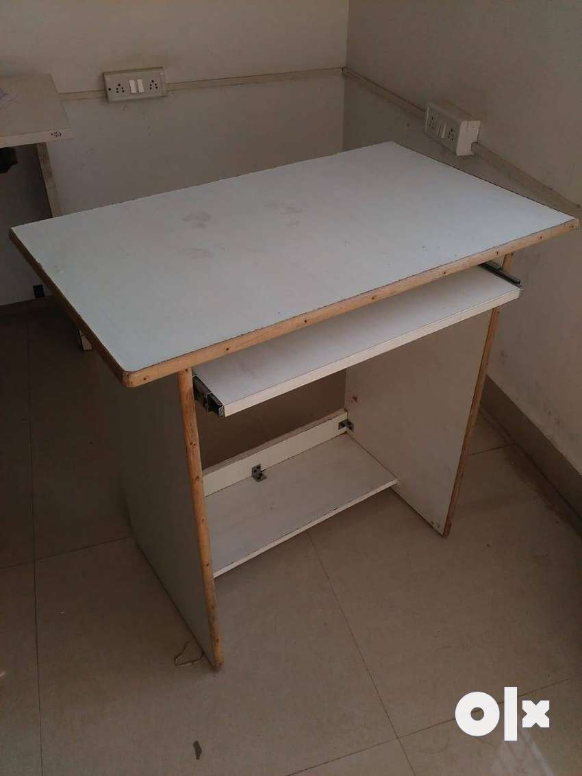 Computer Table With Chair 0