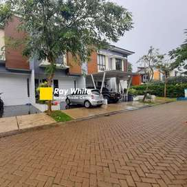 Rumah bagus ready huni 2 lantai Dalam cluster daerah Graha Raya