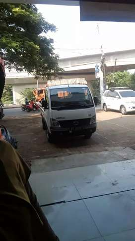 Mobil pick up tata motors